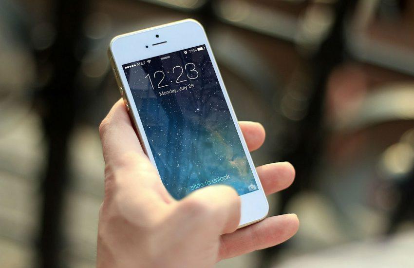 Aplikacija za mobilni telefon, slika: https://pixabay.com